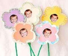 Picture Flowers:  Take snapshots of your students and turn them into flowers for Mom for Mother's Day.
