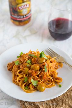 Spanish Spaghetti with Olives - a Spanish twist on your classic spaghetti with meat sauce! A quick and easy dinner the whole family will love!