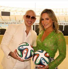 Pitbull e Claudia Leite  Saiba mais! #celegram www.celegram.com.br