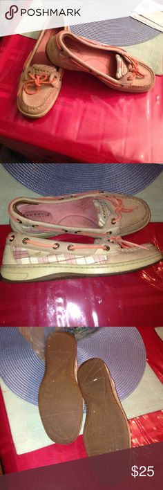 *like new* Sperry Top Sider Size 5 in women. Beautiful irredescent sequence on the side. Salmon colored interior and roping! Sperry Top-Sider Shoes Flats & Loafers