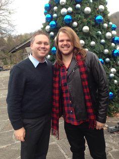 Caleb Johnson,winner season 13 American Idol is in Gatlinburg for tonight's parade #gatlinburgnosechristmas