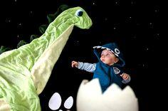 Foto de bebê vestido de dinossauro, fácil de fazer e fica muito fofo