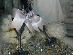 Hey, I found this really awesome Etsy listing at http://www.etsy.com/listing/164764170/wedding-wedding-favor-champagne-flute