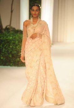India Bridal Fashion Week 2013: Meera Muzaffar Ali pink sari with pearl jewelry