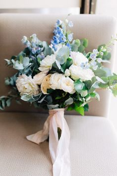 white and blue wedding bouquet photo by Oy photography https://www.oyphotography.com.au