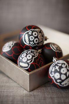 DIA DE LOS MUERTOS/DAY OF THE DEAD~Sugar Skull Ornament Set.