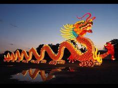 Bis 9. Oktober findet auf der Wiener Donauinsel mit CHINA MAGIC – FESTIVAL DES LICHTS ein Ereignis statt, wie es Europa noch nicht gesehen hat. Neben den bis zu 20 Meter hohen, von 18.000 LED-Lampen beleuchteten, Kunstwerken aus Seide gilt das Augenmerk einer außergewöhnlichen Kunstform – der Sichuan Oper. Mehr Information auf www.luno-festival.at.
