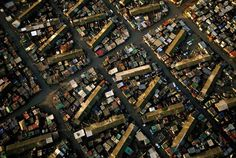 Cape Flats section of Cape Town, South Africa (photo by George Steinmetz) Documentary Photography, Aerial Photography, Steinmetz, Slums, Africa Fashion, Birds Eye View, Big Picture, Photojournalism, Aerial View