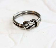 Supermarket - Sailor Knot Ring - Silver from Diament Jewelry Hand Ring, Travel Accessories, Jewelry Accessories, Fashion Accessories, Love Knot Ring, Diy Inspiration, Fru Fru, Rings Cool, Feminine Fashion