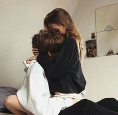 How to show my boyfriend I love him in a creative way? Tag Your Baby goals Cute Couples Photos, Cute Couple Pictures, Cute Couples Goals, Couple Photos, Cute Couples In Bed, Sweet Couples, Cute Couples Kissing, Beautiful Pictures, Couple Goals Relationships