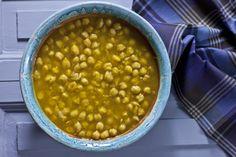 Ρεβύθια με σαφράν και μοσχολέμονο Chana Masala, Cooking Recipes, Ethnic Recipes, Easy, Food, Cooker Recipes, Chef Recipes, Meals, Yemek