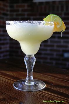 White Wine Margarita! So refreshing and perfect for a warm summers day