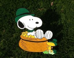 SALE!!   Peanuts Snoopy and Woodstock St. Patrick's Day Four Leaf Green Clover Leprechaun Pot of Gold Wood Garden  Lawn Yard Art