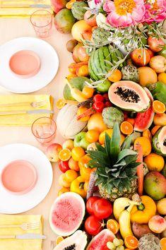 Fresh Summer Party Ideas // DIY floral centerpiece + edible fruit and veggie table runner