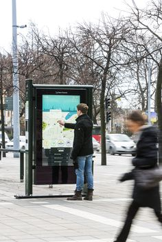 Outdoor kiosk. Using Skin Multitouch, the touch experience is not affected by light, UV, outdoor temperatures and it is anti vandal.