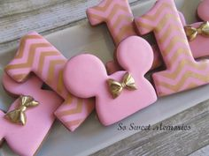 12 Sugar Cookies - Pink & Gold Minnie Mouse Party Supplies