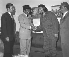 Soekarno with Che Guevara