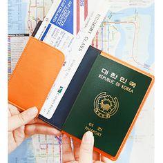 Jam studio Look at me RFID blocking passport cover holder (http://www.fallindesign.com/jam-studio-look-at-me-rfid-blocking-passport-cover-holder/)