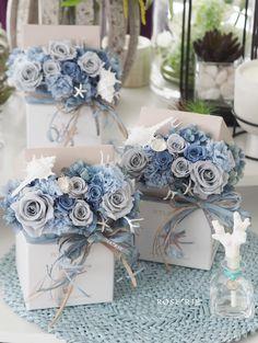 Hat Box Flowers, Flower Boxes, Dried Flowers, Table Flower Arrangements, Flower Centerpieces, Wafer Paper Flowers, Wedding Stage Design, Flower Boutique, Boy Decor