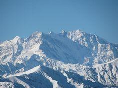 Le Alpi sono a un passo, si vedono anche dal tetto del Duomo, e la passione per la montagna si concretizza in sciate, trekking in ogni stagione e ciaspolate.
