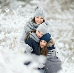 38 New Ideas for photography winter family snow 38 New ., 38 New Ideas for photography winter family snow 38 New . Snow Family Pictures, Winter Family Photos, Country Family Photos, Outdoor Family Photos, Winter Pictures, Family Photo Colors, Family Photo Outfits, Family Photo Sessions, Family Posing