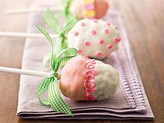 Rice Krispies Egg Pops: A fun Easter treat for your favorite bunnies.
