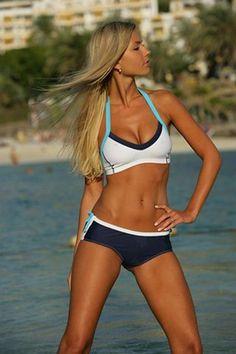 fit chick in sports bra