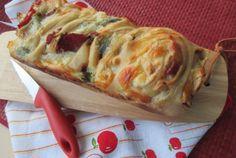 quello della treccia russa! La ricetta della treccia russa, una semplice pasta brioche salata cui viene data una forma peculiare intrecciata e cotta nello stampo da plum cake. Se volete preparare qualcosa di sfizioso e soffice consiglio la treccia russa!