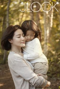 Lee Young-ae with her daughter: Photography idea