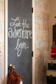 This map wall + chalk door is such a great idea to decorate an office room.