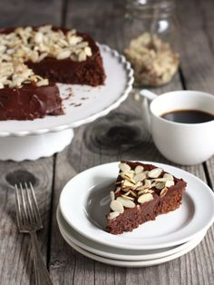 Chocolate almond cake is one of the best dessert recipes. Keep it in mind for the holidays! Chocolate Almond Cake, Amazing Chocolate Cake Recipe, Decadent Chocolate, Almond Cakes, Chocolate Desserts, Chocolate Dreams, Southern Coconut Cake Recipe, Just Desserts, Delicious Desserts