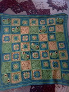 froggy crochet blanket