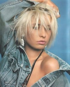 the gorgeous Wendy James of Transvision Vamp