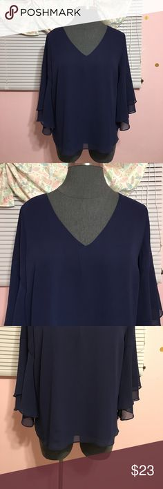 🍁fall sale🍁 NWT Lane bryant top NWT Lane Bryant sheer flowy top. Navy with sheer bell sleeve. Size 18/20 Lane Bryant Tops
