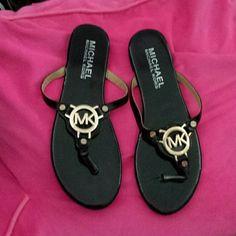 Michael kors black&gold sandals  patent leather Michael  kors patent leather sandals Michael Kors Shoes Sandals