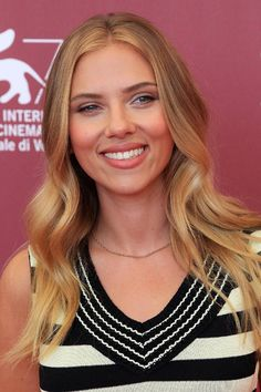 "Most celebrities get pricey facial and laser treatment before hitting the red carpet, but Scarlett Johansson told French Elle, ""I use lemon juice diluted with water instead of toner to make my skin glow and reduce marks. It's perfect for the days before a red carpet appearance.""  Read more: http://www.dailymakeover.com/trends/skin/celebrities-frugal-beauty-tips/#ixzz3BYVsCt3R"