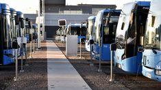Pohjolan Liikenteen bussivarikolla Helsingin Pasilassa 4. lokakuuta.