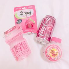 Japanese Snacks, Japanese Candy, Japanese Sweets, Japanese Food, Pink Snacks, Cute Snacks, Cute Food, Peach Aesthetic, Aesthetic Colors
