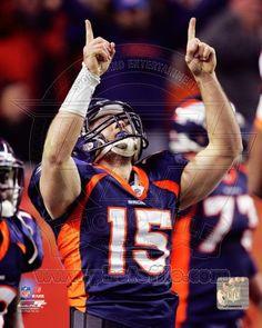 Tim Tebow - 2011 Denver Broncos NFL 8x10 Photo (pointing upwards) $4.95