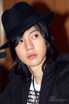 Kim Hyun Joong 김현중 ♡ hat ♡ long hair ♡ Kpop ♡ Kdrama ♡️ ☆〜(ゝ。∂)