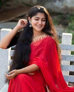 Beautiful Blonde Girl, Super Long Hair, Indian Beauty Saree, Bun Hairstyles, High Quality Images, Brown Hair, Sari, Mockingjay, Long Hair Styles
