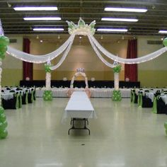 Princess dance floor by Touch of Heaven Balloons, Valpairiso, Indiana - Enchanting balloon crown!