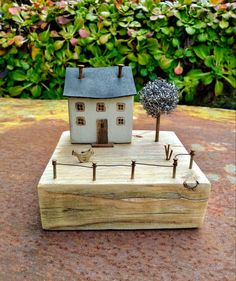 Mini Houses, Wooden Houses, Upcycle, Miniatures, Bird, Photo And Video, Outdoor Decor, Instagram, Home Decor