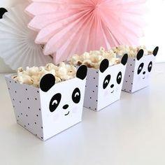 Kit de Festa Ready to Go | Panda Rosa – Crescer em Festa Panda Themed Party, Panda Birthday Party, Panda Party, 9th Birthday Parties, Bear Party, Baby Birthday, Birthday Party Decorations, Baby Shower Decorations, Theme Bapteme