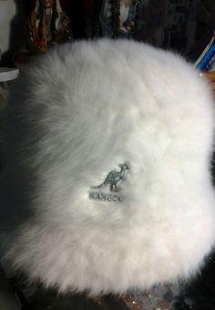 9df3ba35abf Vtg KANGOL Furgora Lahinch Casual Angora Blend Fur Bucket Hat med white