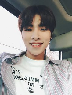 oh he's smile awwww Winwin, Taeyong, Nct 127, Extended Play, Jaehyun, Wattpad, Johnny Seo, Fandoms, Korea