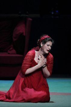 #AnjaHarteros is #Tosca! pic.twitter.com/QEGAxtHsJv