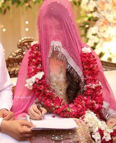 Bengali Wedding, Pakistani Wedding Dresses, Wedding Set Up, Wedding Bride, Bridal Outfits, Bridal Dresses, Nikah Ceremony, Bridal Pictures, Bridal Pics