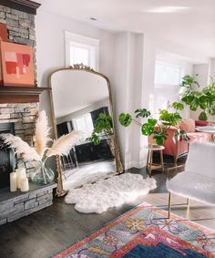 10 Signs Your Living Room Is Screaming For A Makeover Glam Living Room, Living Room Mirrors, Home And Living, Apartment Living Rooms, Modern Living Rooms, Modern Living Room Decor, Antique Living Rooms, Modern Apartment Decor, Mirror Room