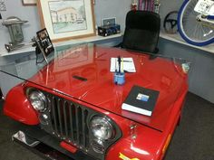 desk Would love to have one of these desks in Candy Apple RED!Jeep desk Would love to have one of these desks in Candy Apple RED! Car Part Furniture, Automotive Furniture, Automotive Decor, Jeep Jk, Jeep Truck, Jeep Willys, Jeep Parts, Car Parts, Automobile